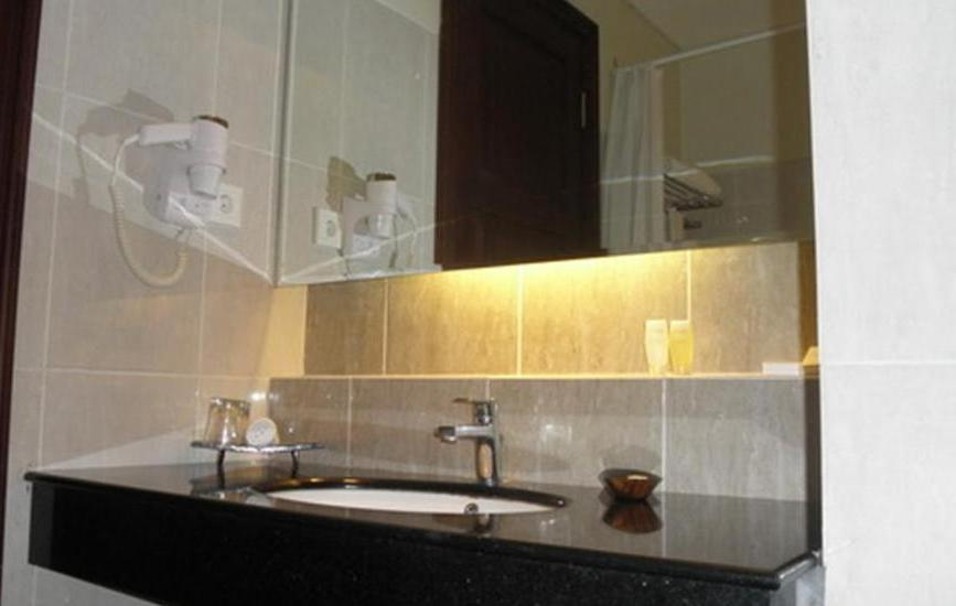 The Oxalis Regency Hotel Magelang - Kamar mandi