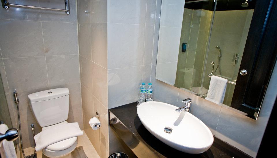 Samala Hotel Jakarta, Cengkareng Jakarta - kamar mandi