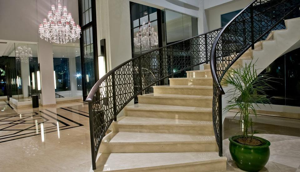 Samala Hotel Jakarta, Cengkareng Jakarta - tangga lobi