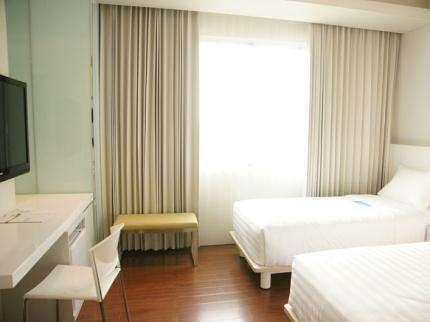 Everbright Hotel Surabaya - Superior Regular Plan