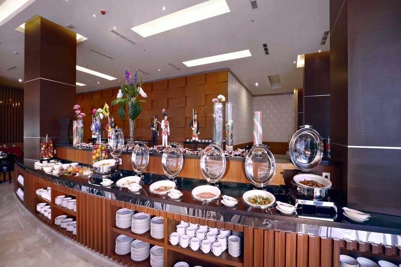 The Alana Yogyakarta Hotel Yogyakarta - Sarapan prasmanan