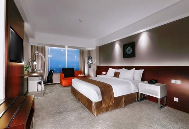 The Alana Yogyakarta Hotel Yogyakarta - Deluxe Room Free Minibar Regular Plan