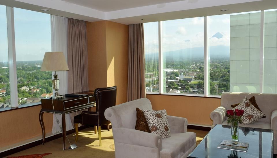 The Alana Yogyakarta Hotel Yogyakarta - Pemandangan Gunung