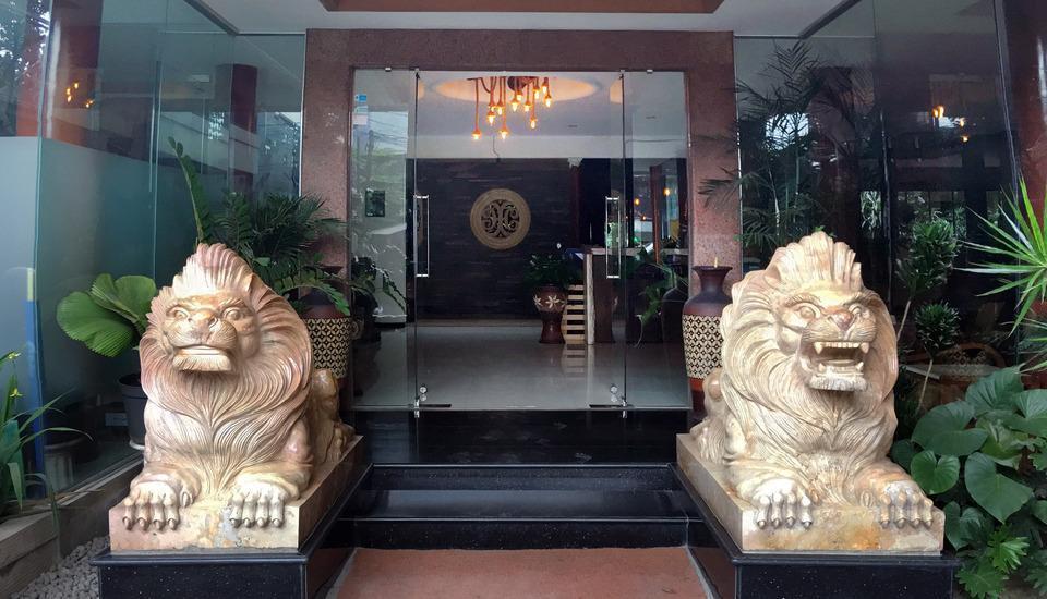 Helios Hotel Malang - Entrance
