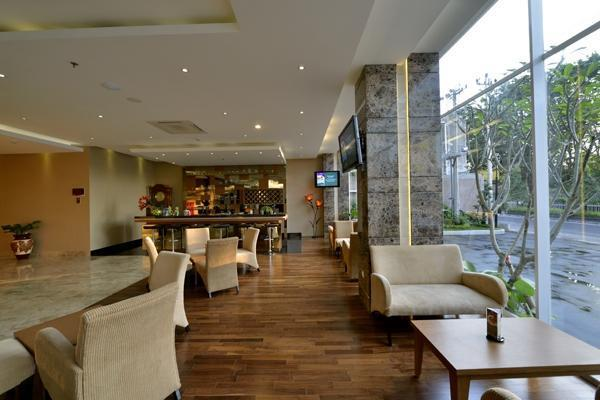 Grand Tjokro Yogyakarta - Batik Lounge