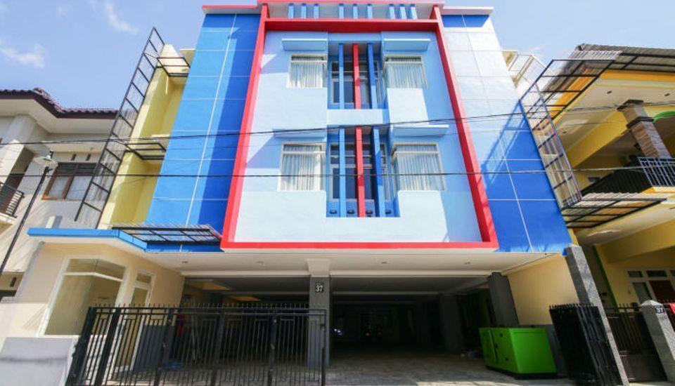 BASUDIRA Homestay Malang Malang - Building