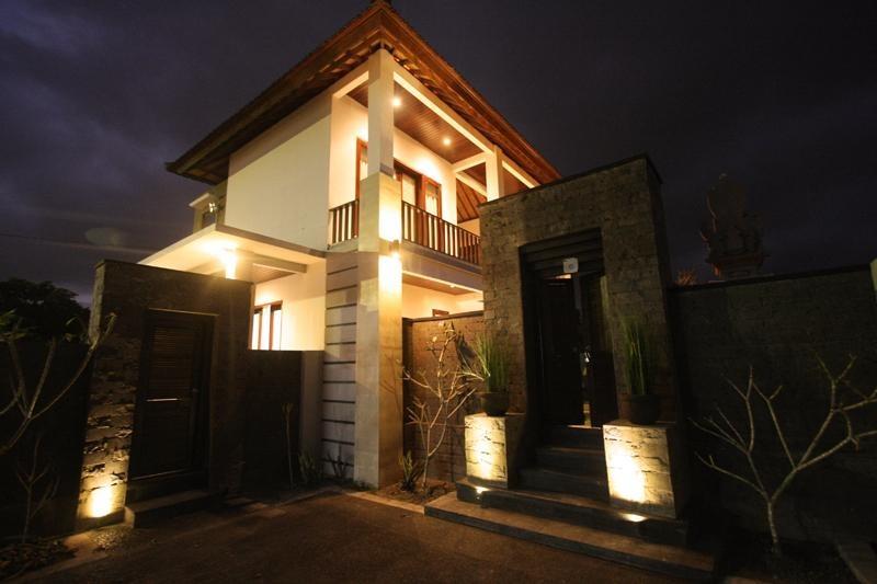 Yuliati Villa Kutuh Bali - Eksterior
