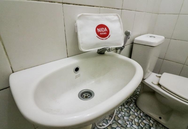 NIDA Rooms Penga Yoman 2 Makassar - Kamar mandi