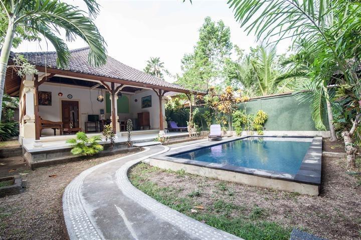 Mahalini Villa Seminyak - Kolam Renang