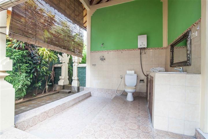 Mahalini Villa Seminyak - Kamar mandi
