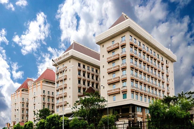 Hotel Mega Anggrek Jakarta - Tampilan Luar Hotel