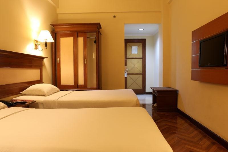Hotel Mega Anggrek Jakarta - Superior
