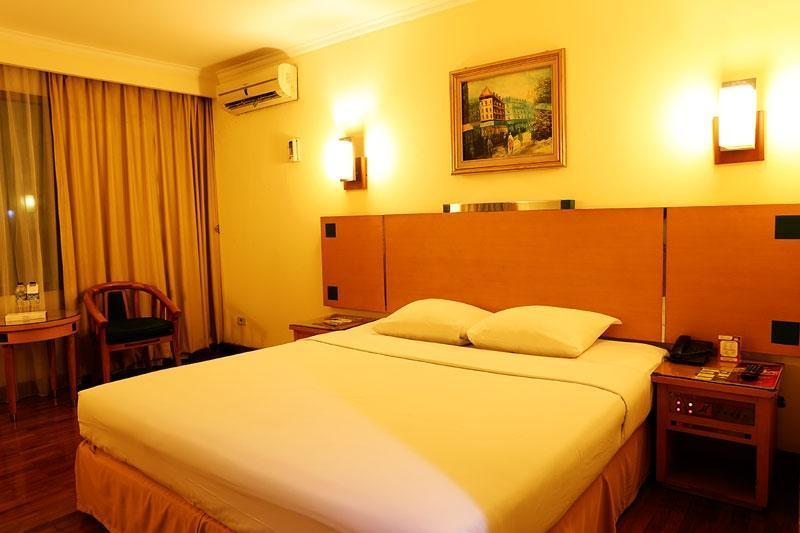 Hotel Mega Anggrek Jakarta - Superior with Breakfast HOT DEAL,