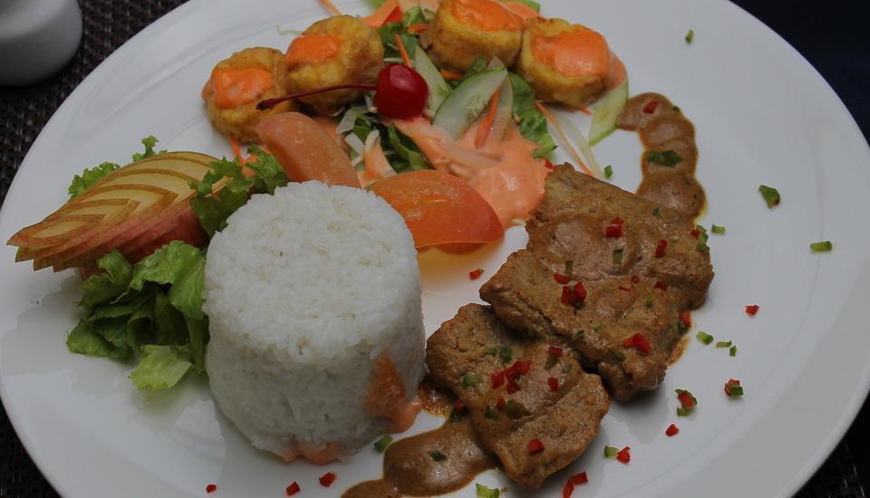 Hotel Mega Anggrek Jakarta - Foods & Beverages