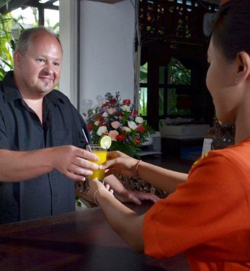 Sarinande Hotel Bali - Front Desk 1