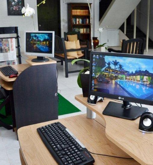 Sarinande Hotel Bali - Internet Corner & Mini Library