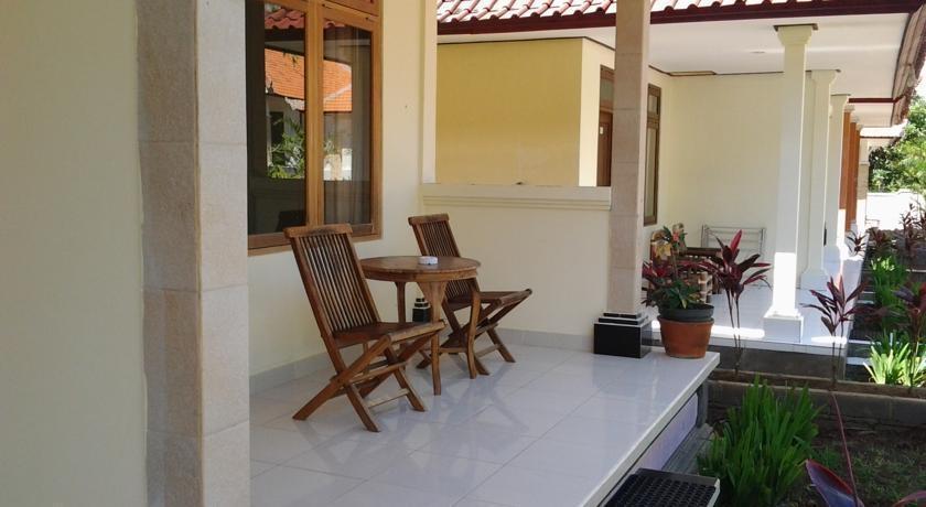 Medori Putih Homestay Bali - Teras