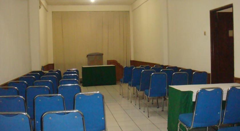 Hotel Augusta Cengkareng - Interior
