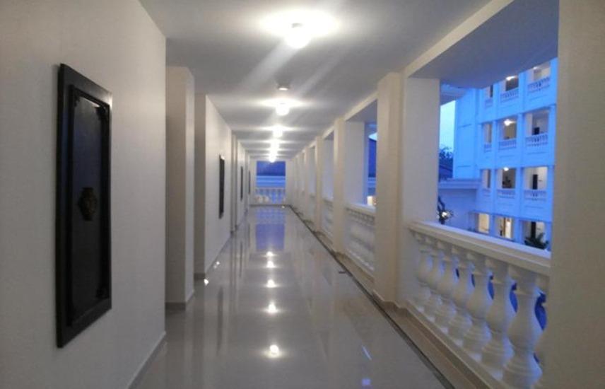 Same Hotel Cepu Blora - Corridor