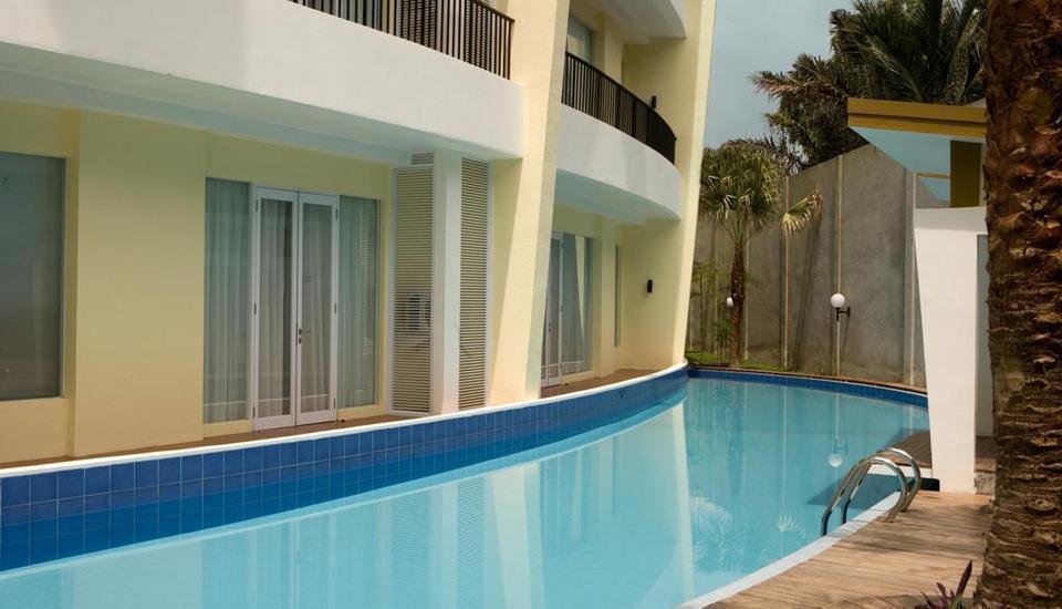 Hotel Santika Bangka - Pool