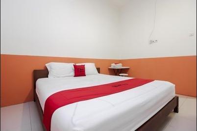 RedDoorz near Jalan Jenderal Sudirman Manado - RedDoorz Room Regular Plan