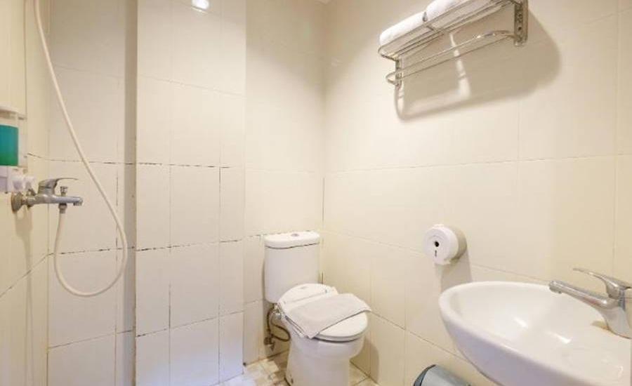 D' Bugis Ocean Hotel Makassar Makassar - Kamar mandi