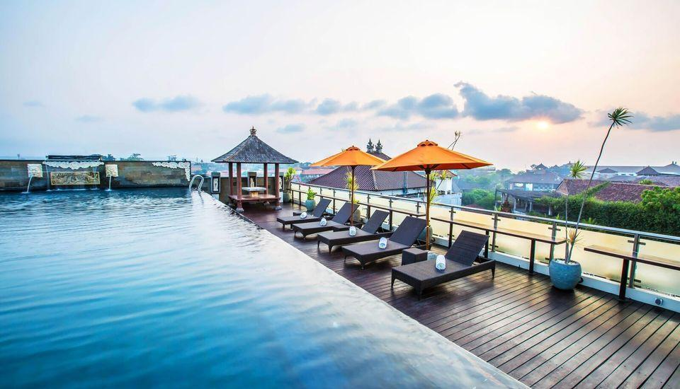 Royal Singosari Kuta - Rooftop Pool