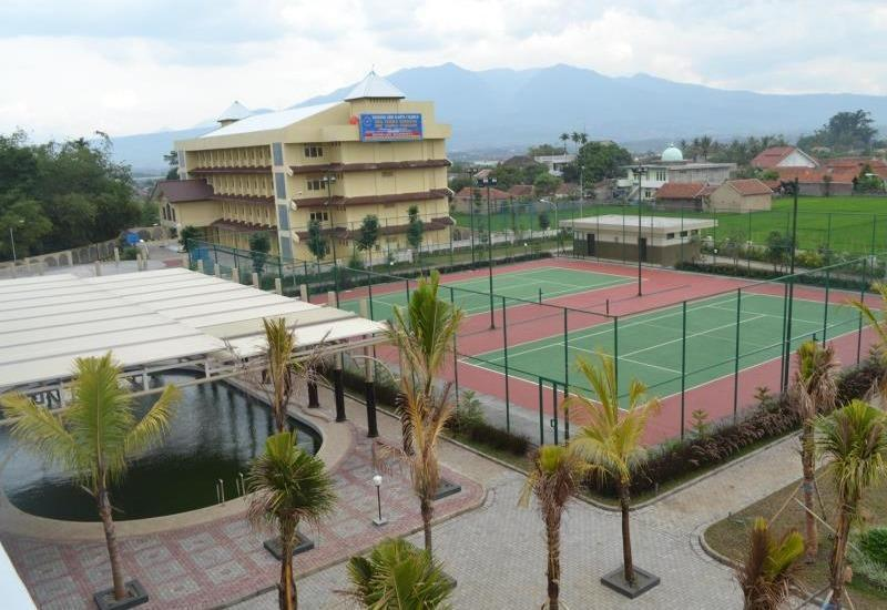 Sutan Raja Hotel Bandung - Lapangan Tenis