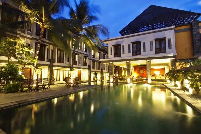NIDA Rooms Padma Kuta Badung - Kolam Renang