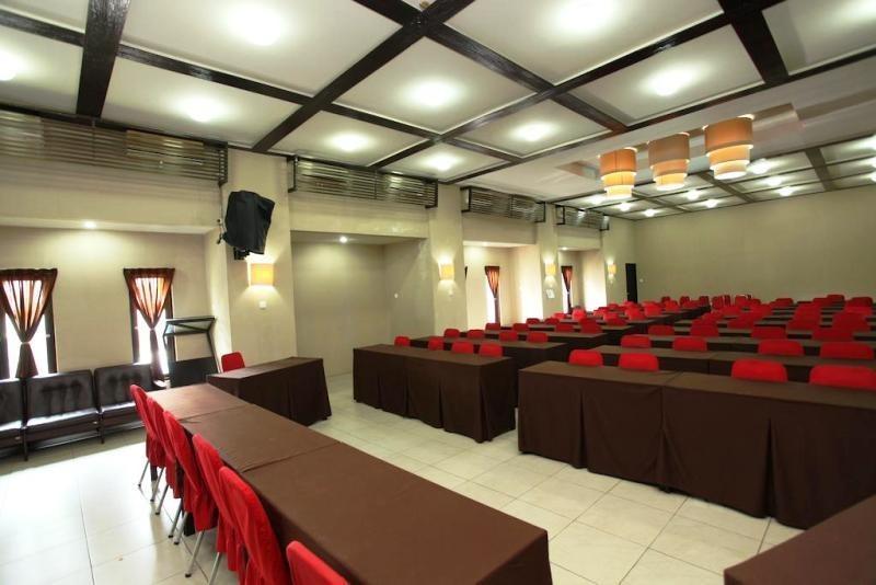 NIDA Rooms I Gusti Ngurah Rai 174 Bali - Ruang Rapat