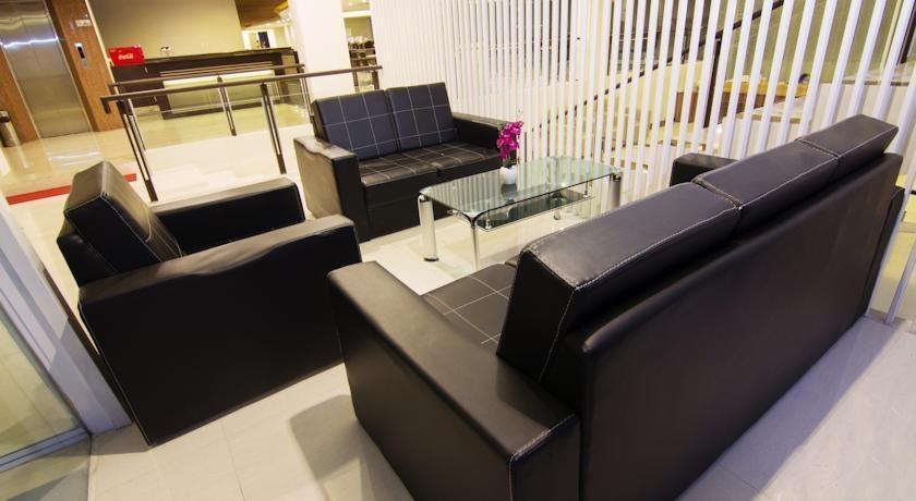 Hotel Raffleshom Bandung - Executive Lounge