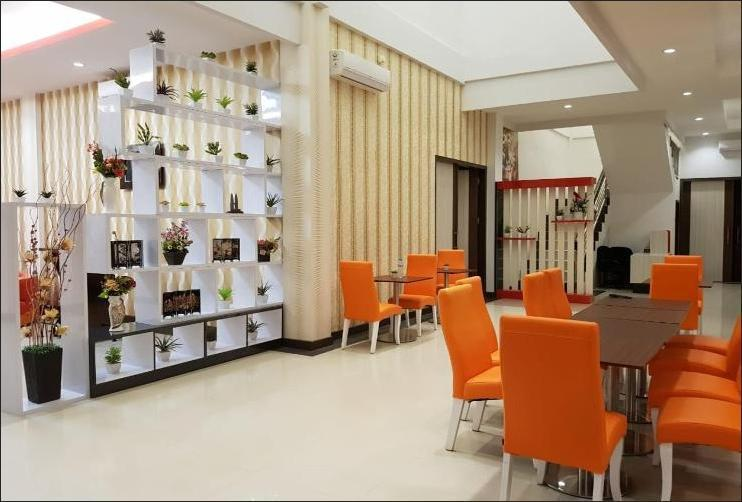 Fortune Front One Hotel Kendari Kendari - Restaurant