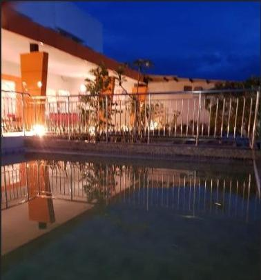 Fortune Front One Hotel Kendari Kendari - Swimming Pool