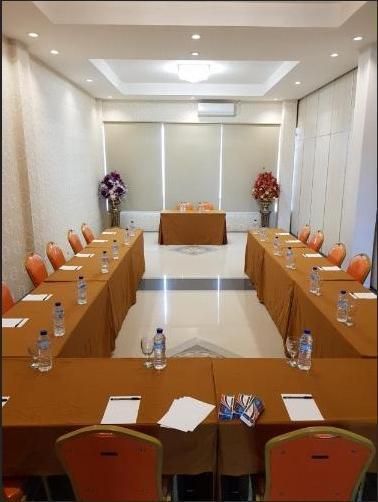 Fortune Front One Hotel Kendari Kendari - Function Hall