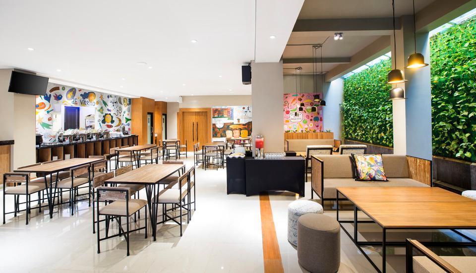 Yellow Star Ambarukmo Hotel Yogyakarta - Restoran