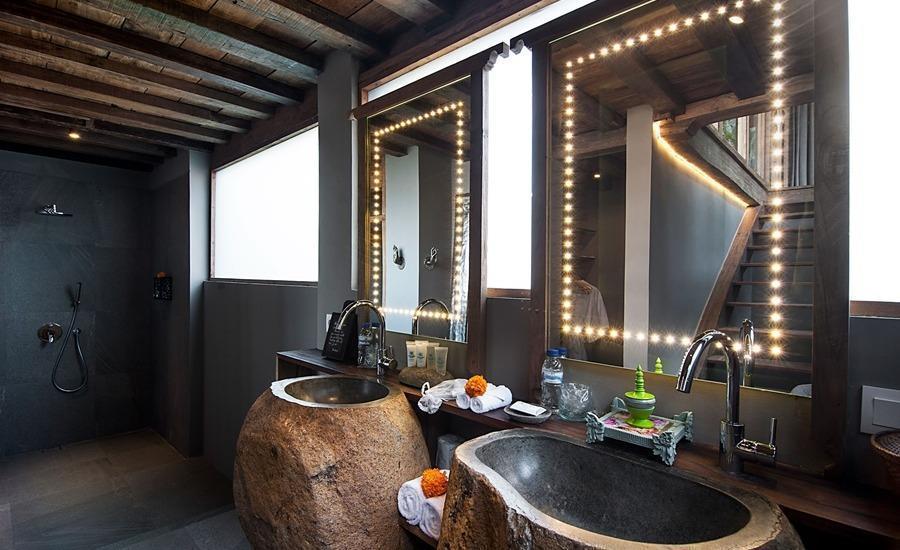 Blue Karma Resort Ubud Bali - Premiere Garden Suite Bathroom
