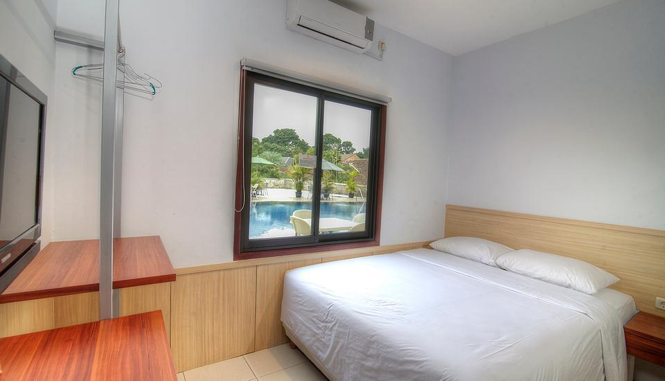 Grha Ciumbuleuit Guest House Bandung - Standard Double Room Only  Menginap 3 malam bayar 2 malam