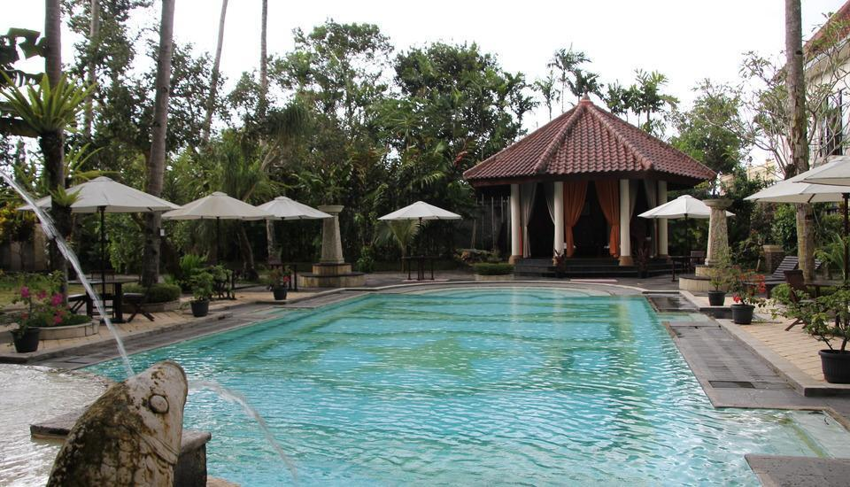 Saraswati Borobudur - Swimming Pool