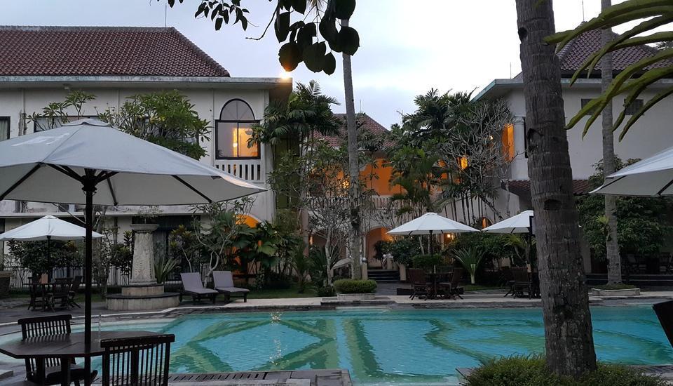 Saraswati Borobudur - Swimming Pool