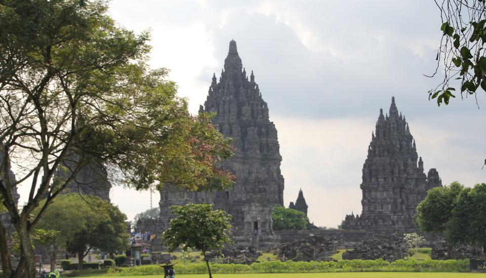 Saraswati Borobudur - Candi Prambanan