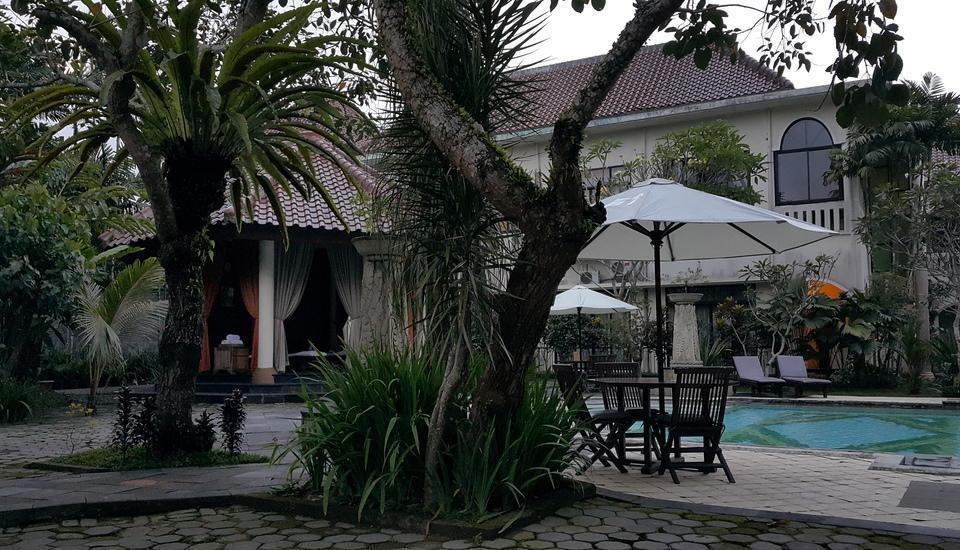 Saraswati Borobudur - Gazebo dan Kolam Renang