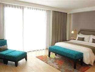 Harper Kuta - Deluxe Room with Breakfast Last Minute 15%