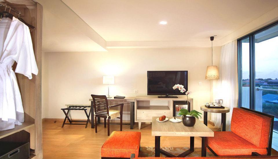 Harper Kuta - Harper Suite with Breakfast Basic Deal