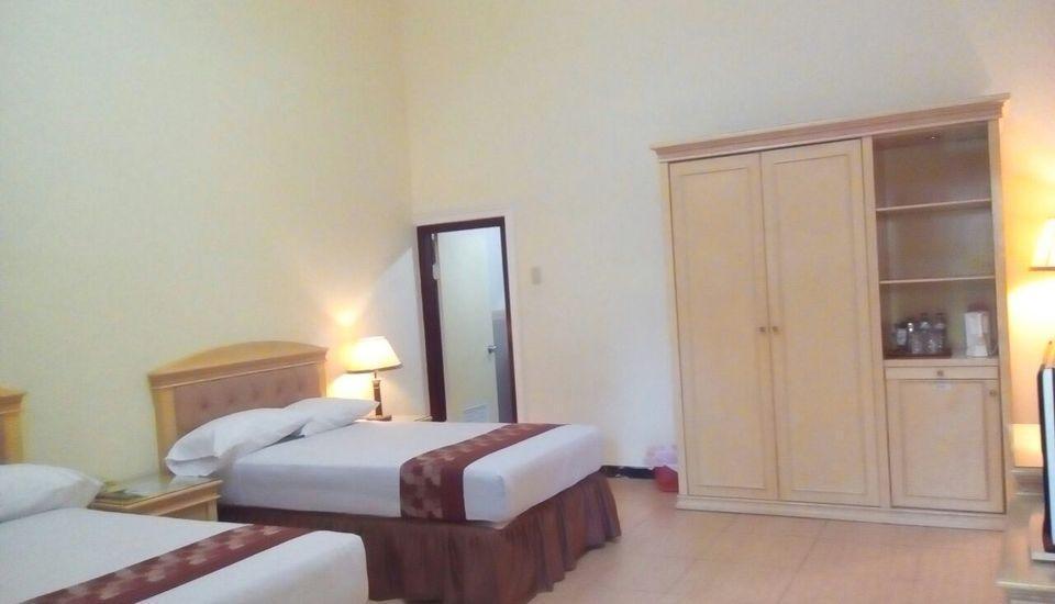 Palm Hotel Bondowoso - Deluxe Room