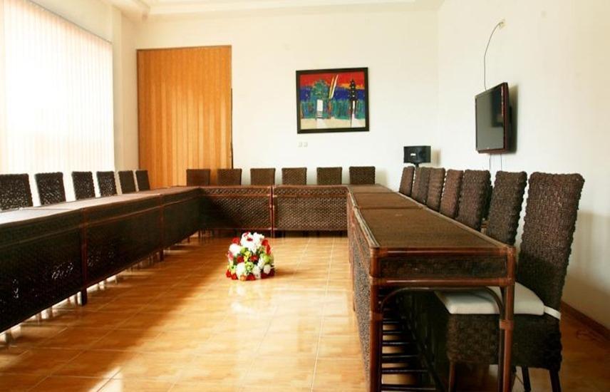 Osmond Villa & Resort Bandung - Ruang Rapat