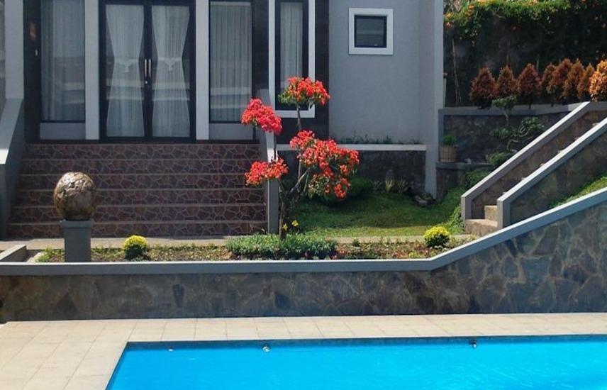 Osmond Villa & Resort Bandung - Kolam Renang