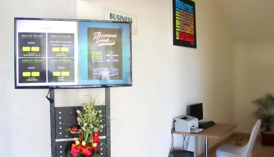 Pesonna Hotel Makassar - Business Center