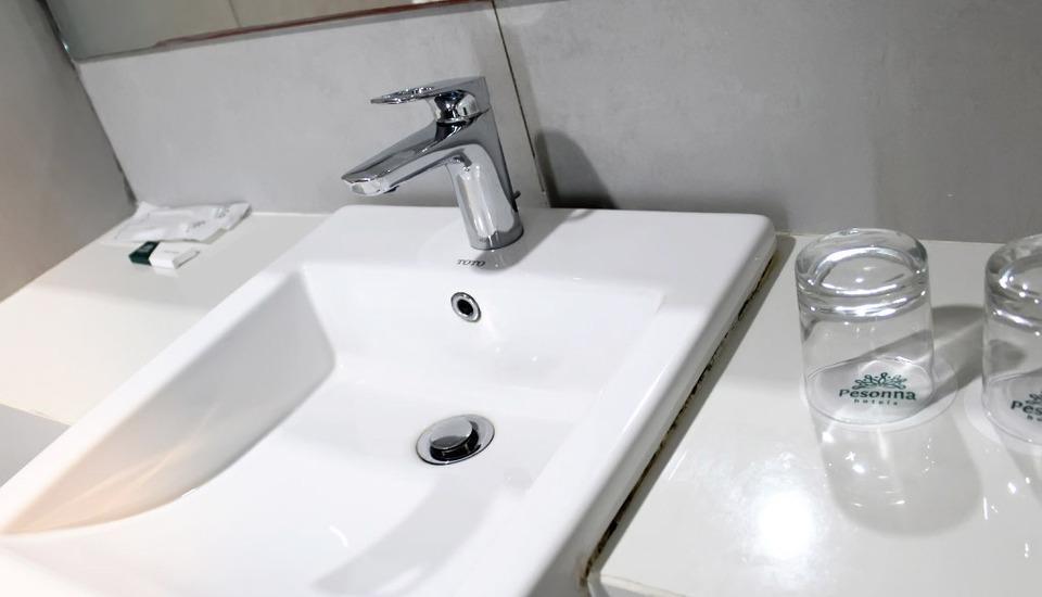 Pesonna Hotel Makassar - Bathroom Deluxe