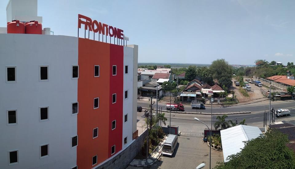 Front One Inn Semarang Semarang - View
