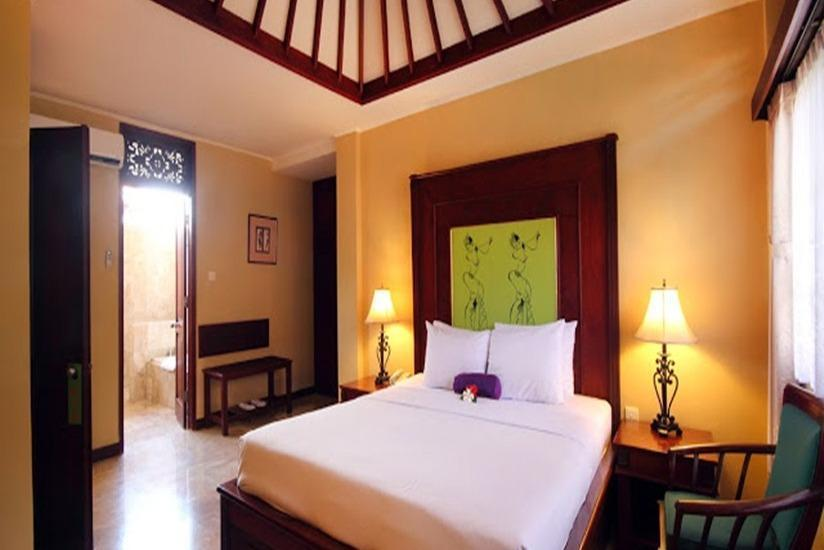 Royal Tunjung Bali Villa Legian - Three Bedroom Pool Villa dengan Sarapan Regular Plan